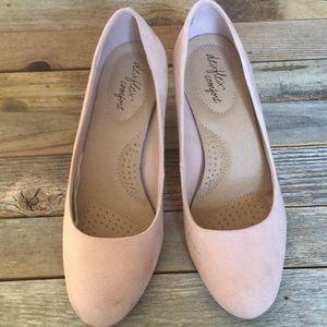 Decent flex comfort suede heels